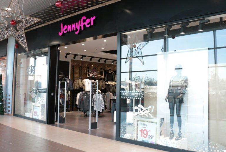 09320434260e Avec sa large collection de vêtements pour femme, votre magasin Jennyfer à  Boufféré, est incontestablement LA signature mode de la young fashion.